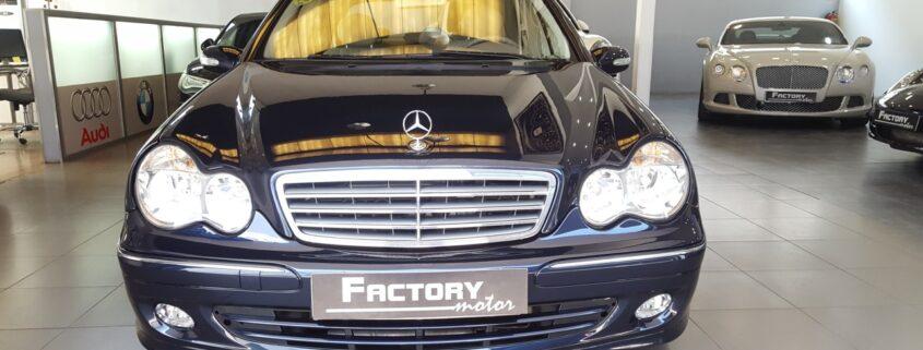 Frontal Mercedes-Benz Clase C C240 Elegance
