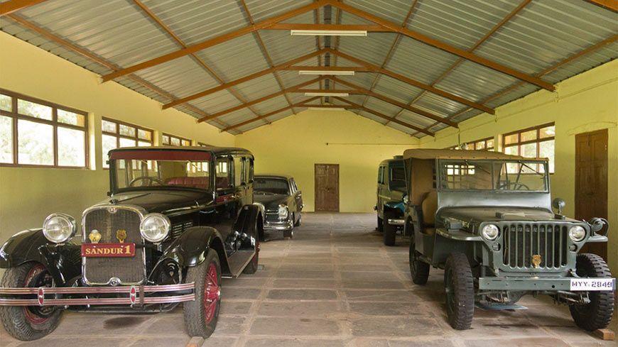 Palacio-Shivavilas-museo-de-coches