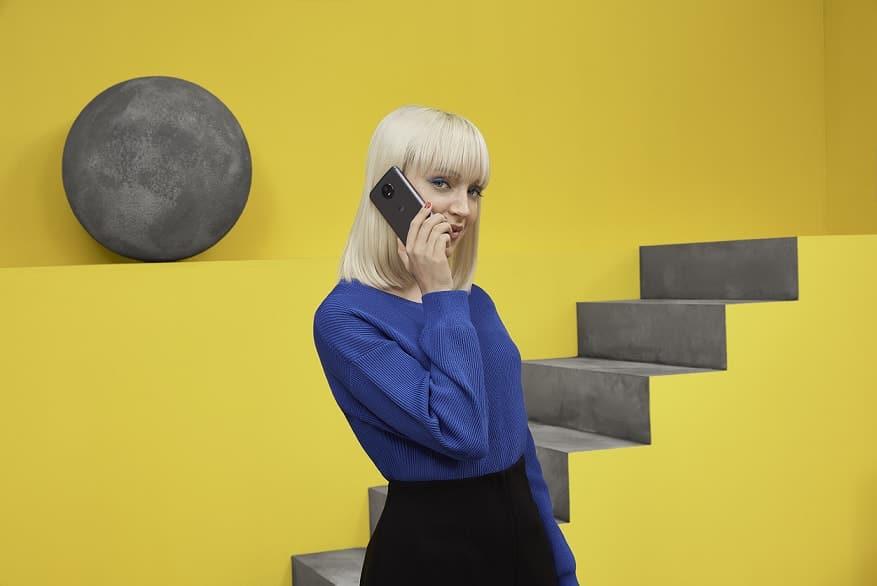 Motorola odhalila alarmující výsledky o závislosti na mobilních telefonech