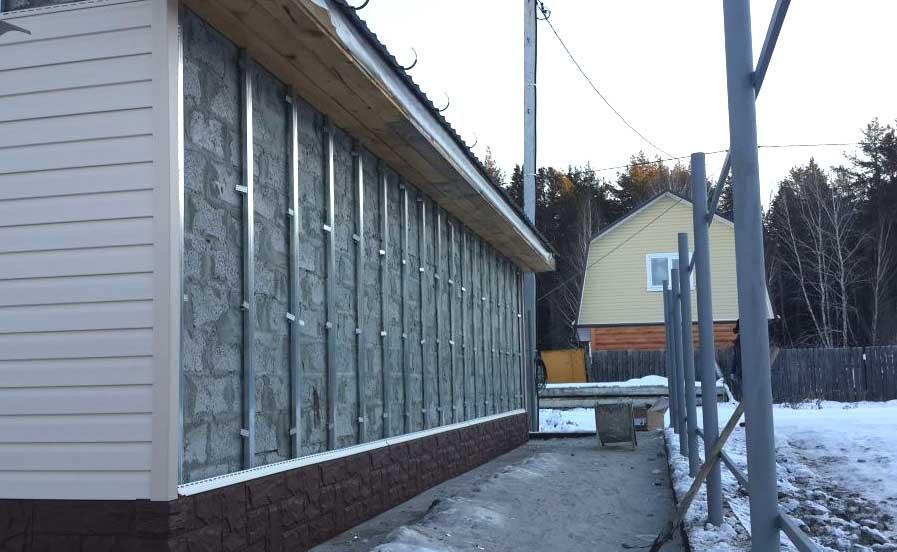 Подготовка стен перед монтажом профнастила