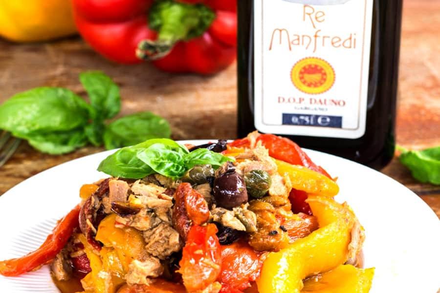 Anteprima Peperoni con tonno olive e capperi