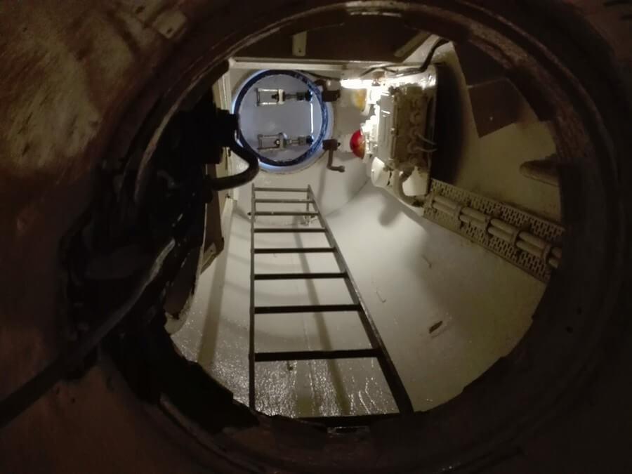 Ascent hatch H.M.S.. Otus