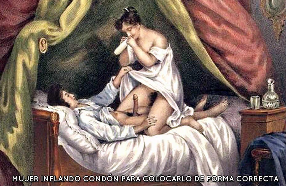 Mujer preparando preservativo antes de fornicar para que ajuste adecuadamente al miembro del varón