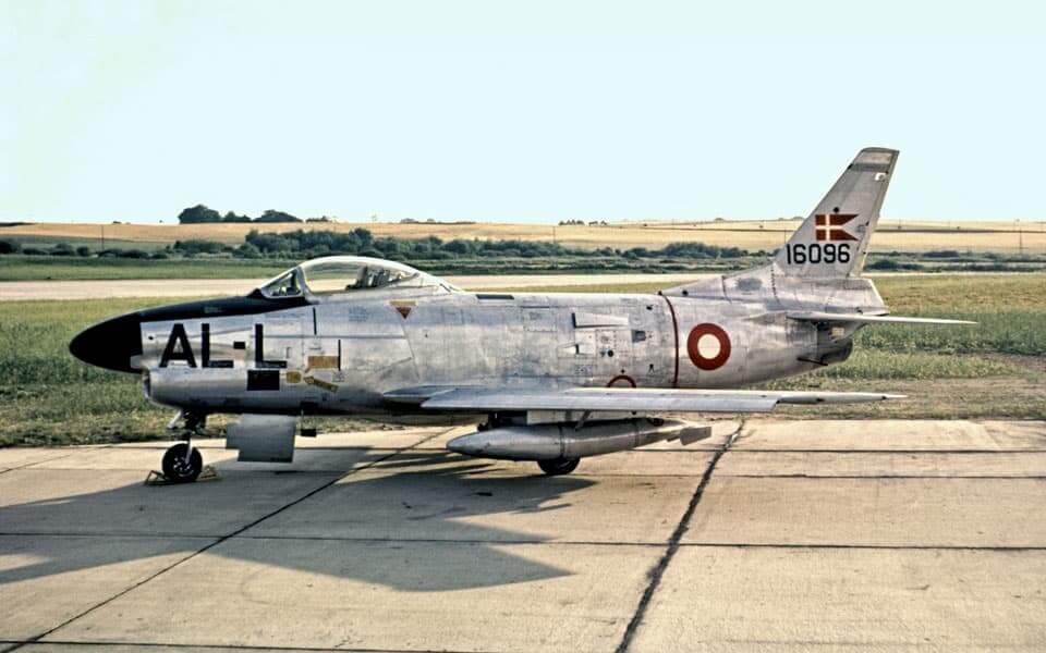 Flyvevåbnets North American F-86D Sabre Dog 51-6096 AL-L ESK.726 Værløse 1958 - flyvere.dk
