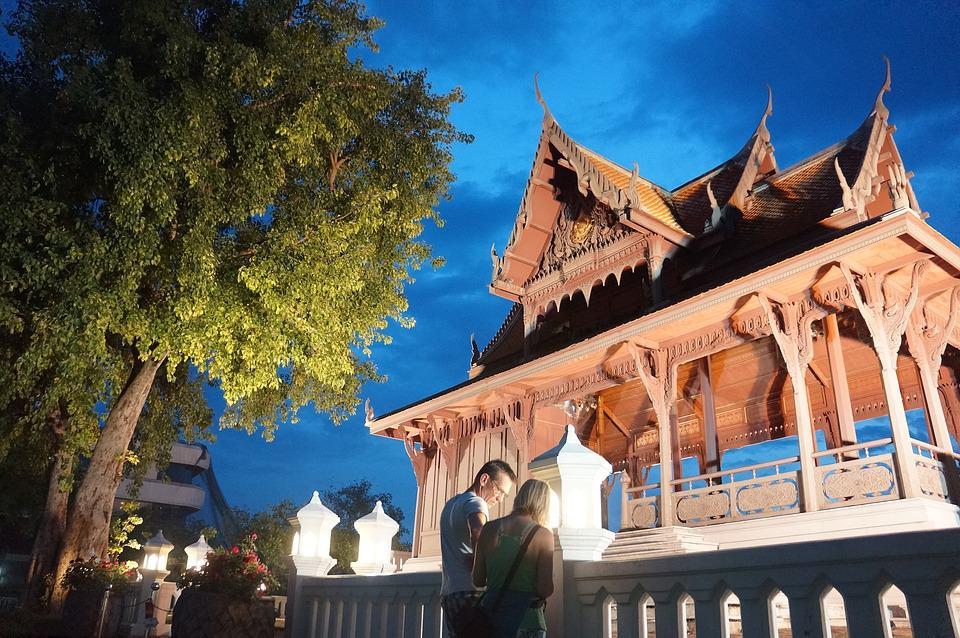 Temple in Phra Sumen Fort