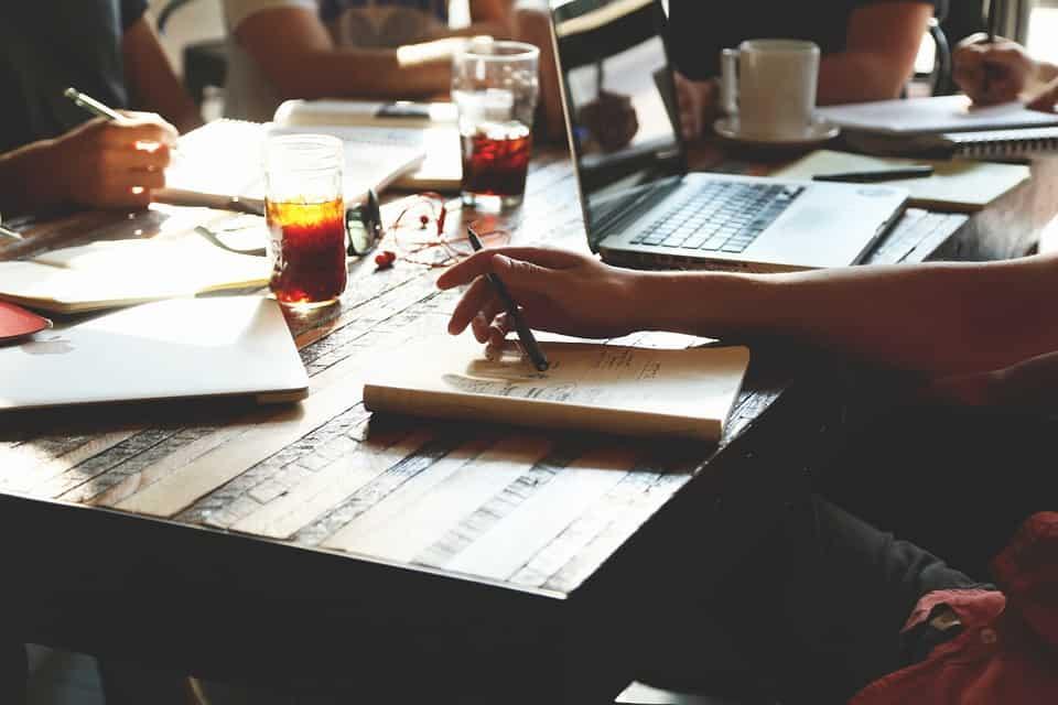 Rédacteur Web : le souverain de la rédaction de contenu du Web!