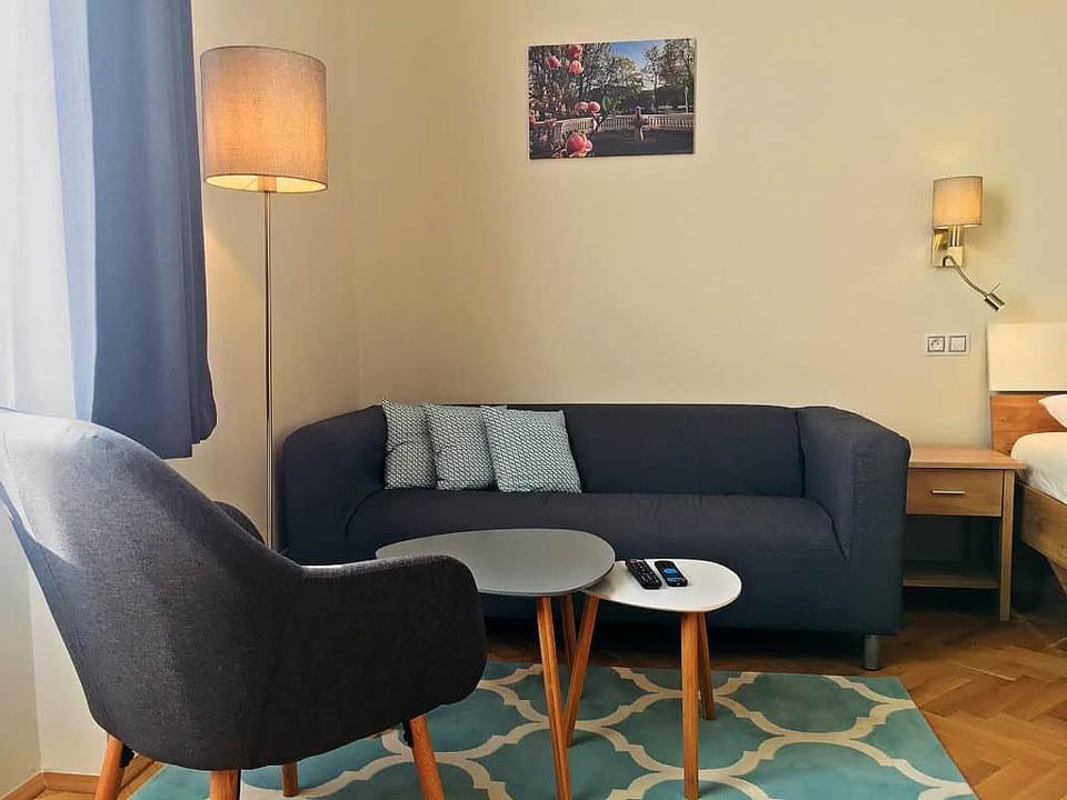 Marienbad Apartment Mariánské Lázne Park view sofa and tables