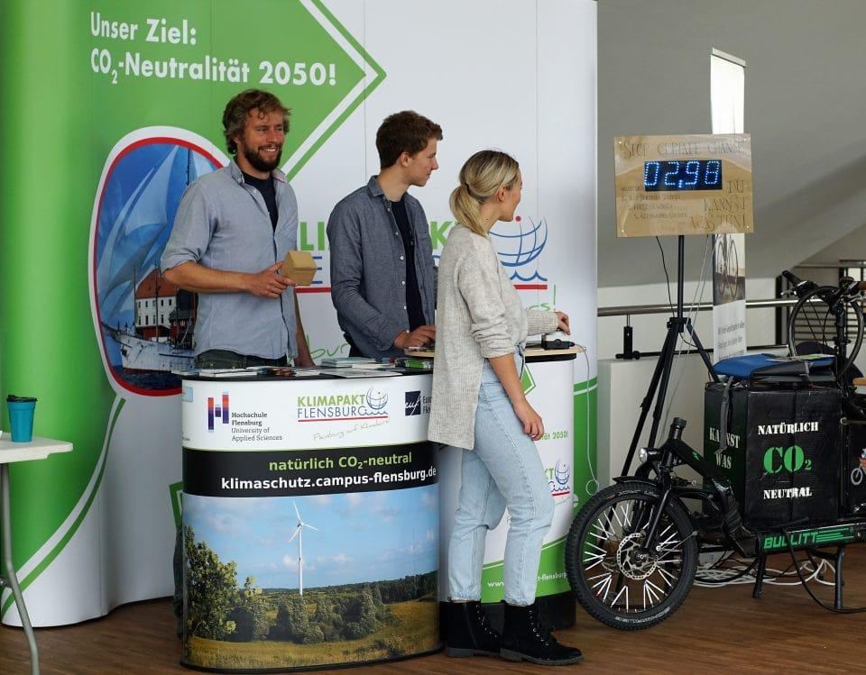 Klimapakt präsentiert sich an der Hochschule Flensburg