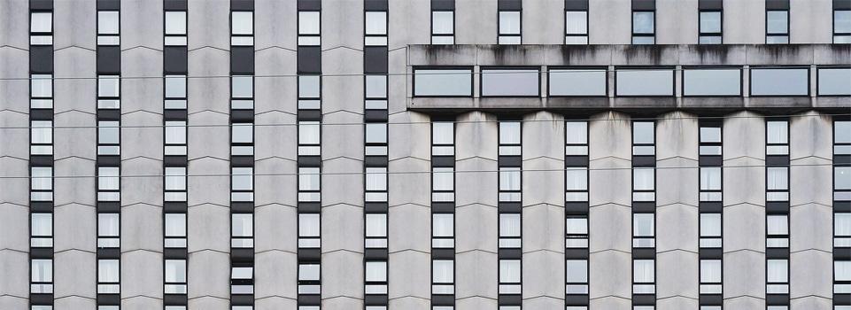 Welke gordijnen gebruik je bij smalle of juist brede ramen?