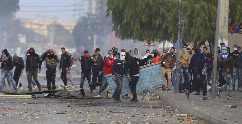 Toque de queda en Tunez
