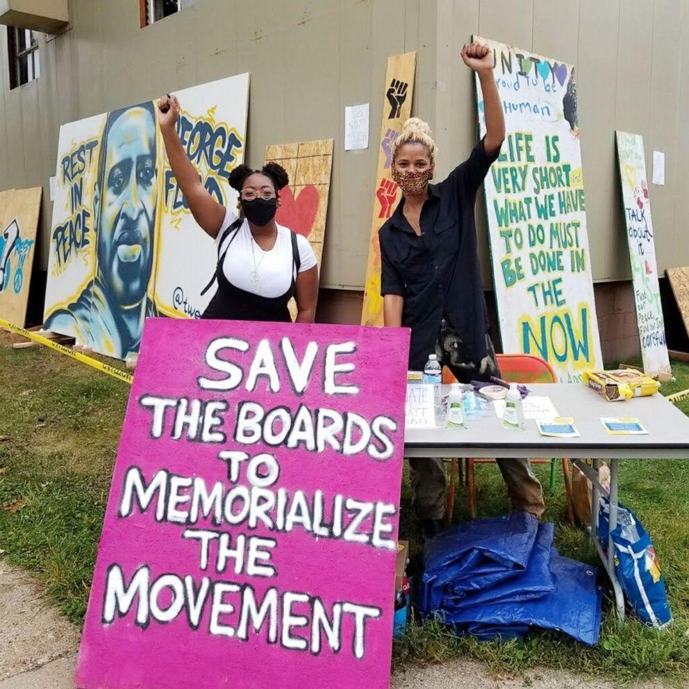 Black Lives Matter Protest Art Saved, and More Art News – ARTnews.com
