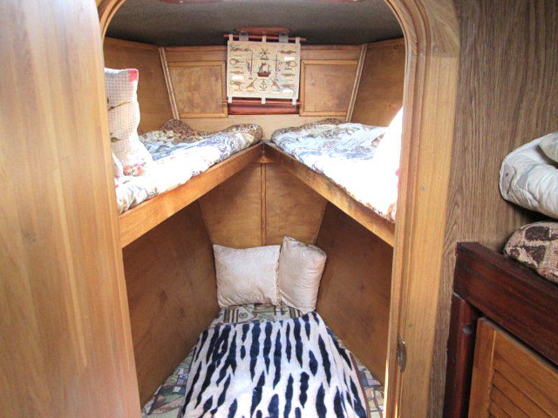 Носовая каюта — спальные места