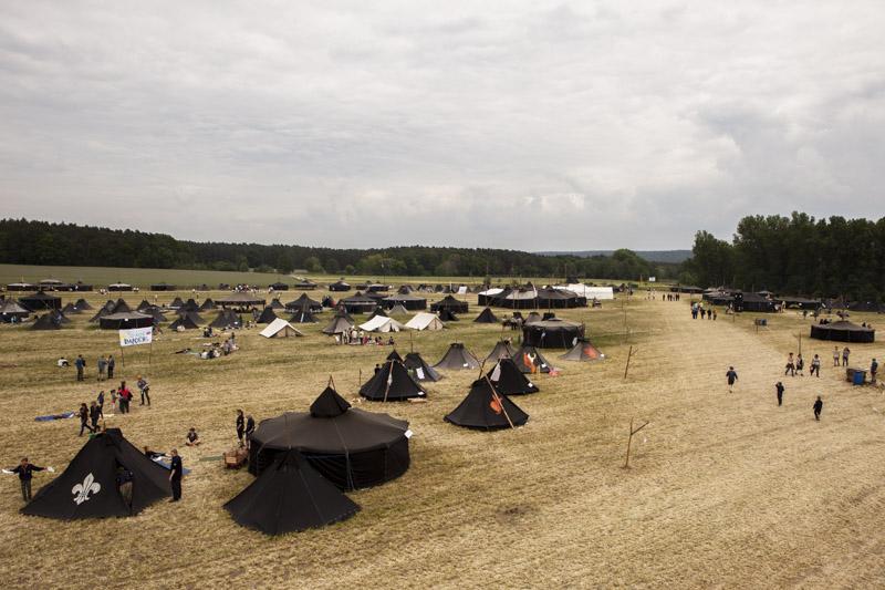 Übersicht über ein Lager des Deutschen Pfadfinderverbandes (DPV) 2015 mit verschieden Zelten (sog. Kothen und Jurten)