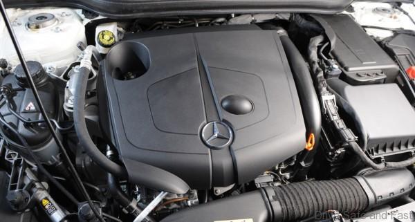 infiniti-q30-engine