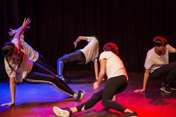 Une image de l'activité Breakdance et Hip Hop: l'art du mouvement organisée par Apprends et Rêve, activités pour enfants et ados à Paris