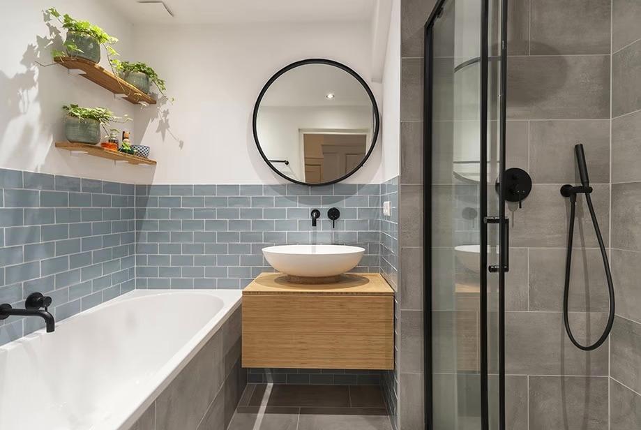 Badkamer meubel gemaakt door interieurbouwer Barendrecht