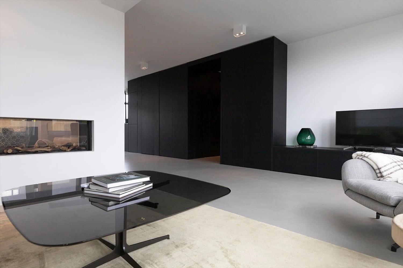 Op Maat Gemakte Garderobekast Zwart Door Atelier 19 in Bergschenhoek