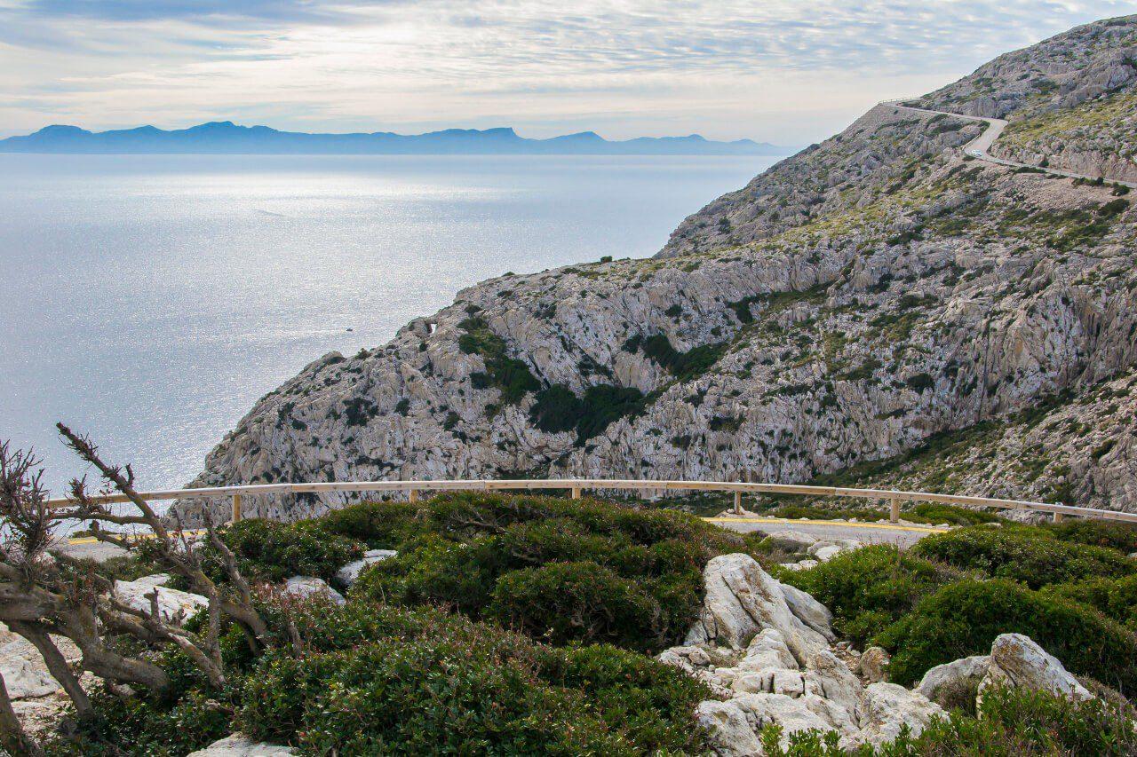 Widok na Morze Śródziemne z przylądka Cap de Formentor, Majorka