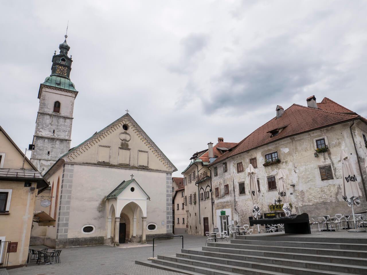 Główny plac miasta Skofja Loka - Cankarjev trg