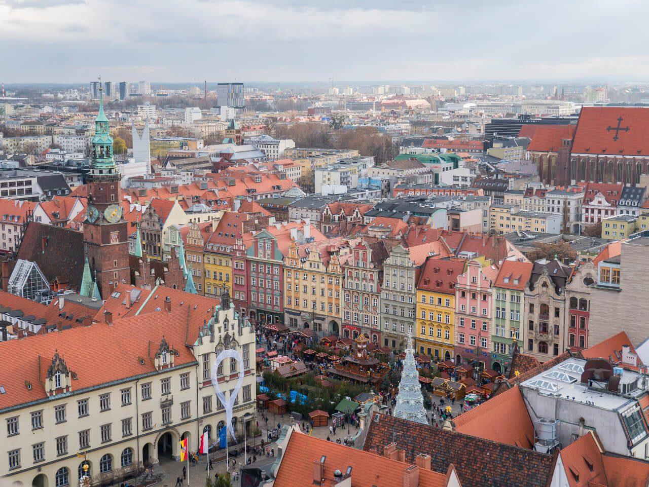 Widok na kamienice na wrocławskim rynku