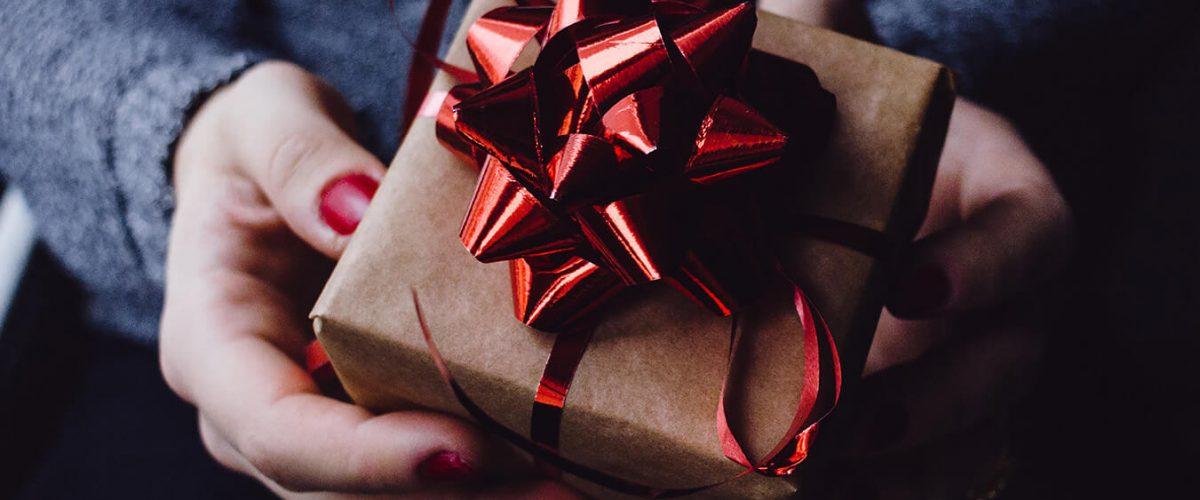 40 najlepszych prezentów dla podróżnika w 2020 r.