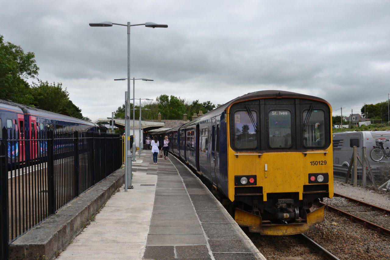 Pociąg relacji St Erth - St Ives