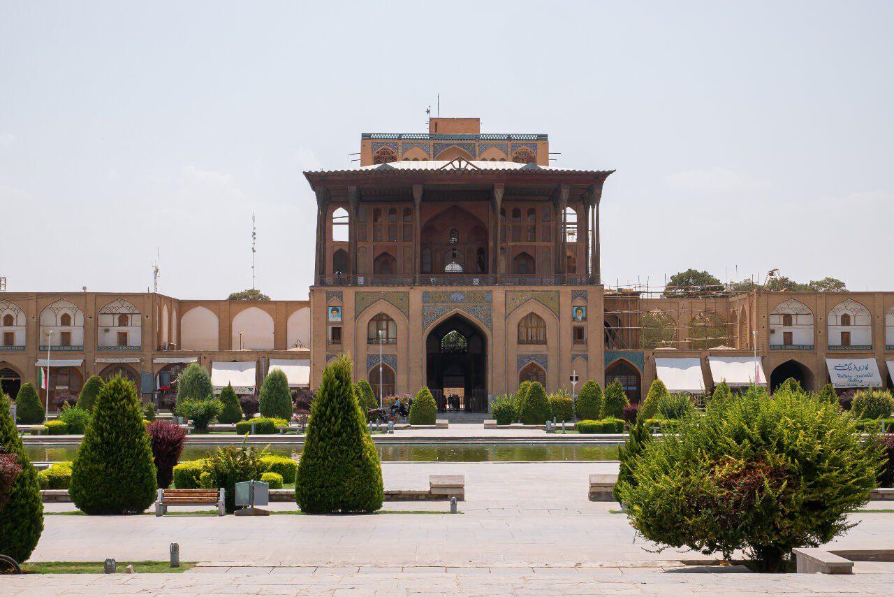 Front pałacu Ali Qapu w Isfahanie