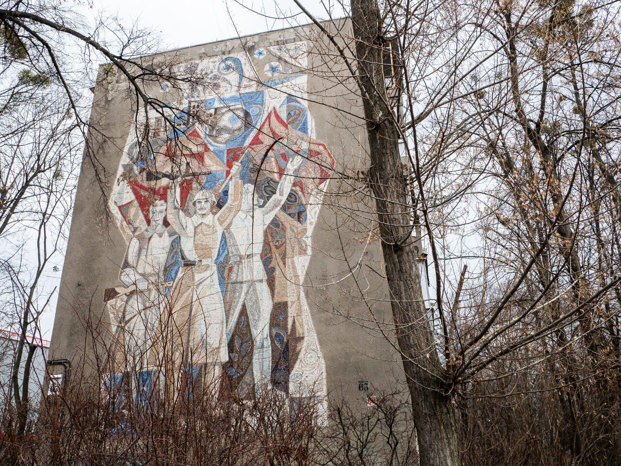 Socrealistyczna mozaika w Charkowie