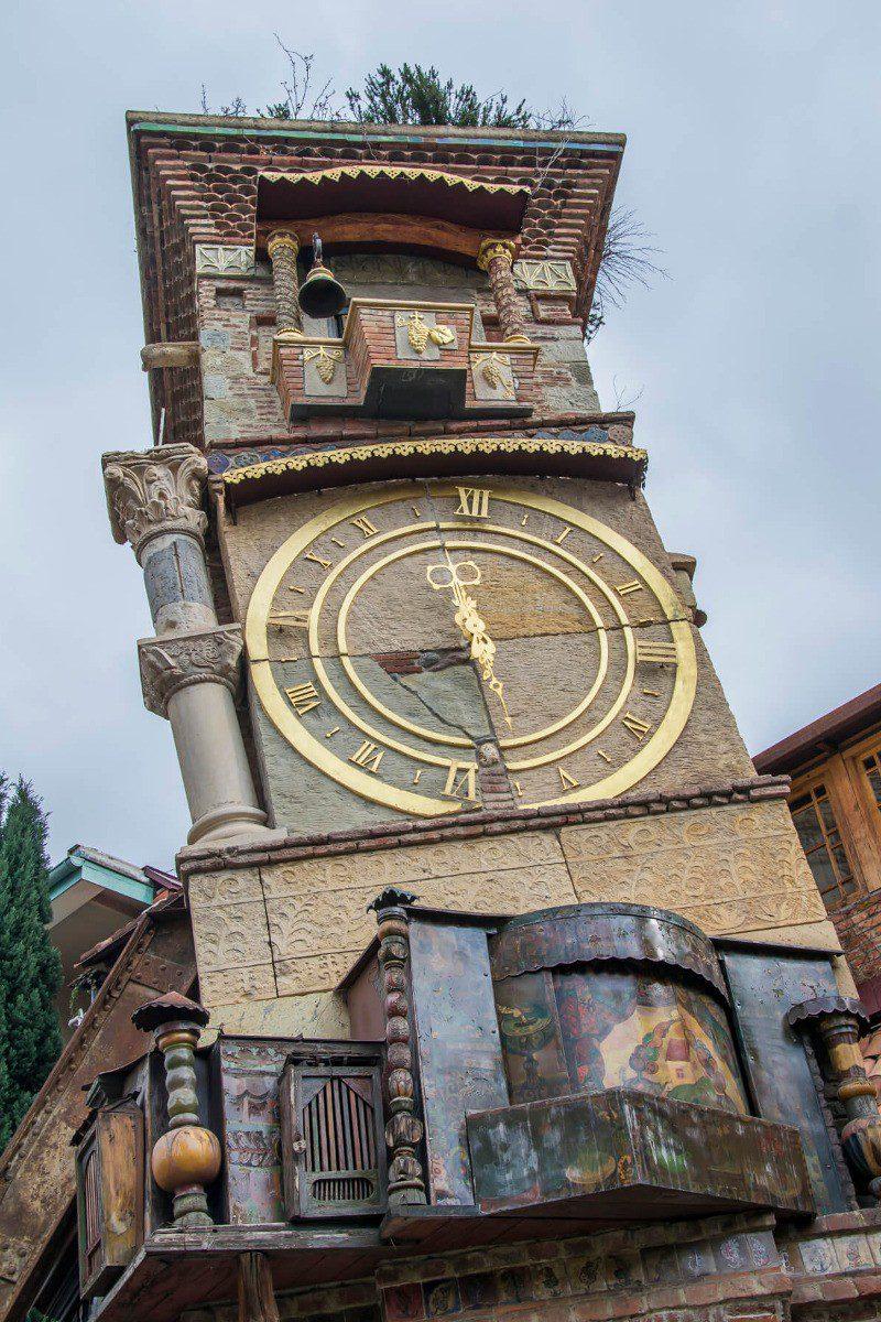 Wieża zegarowa w Tbilisi