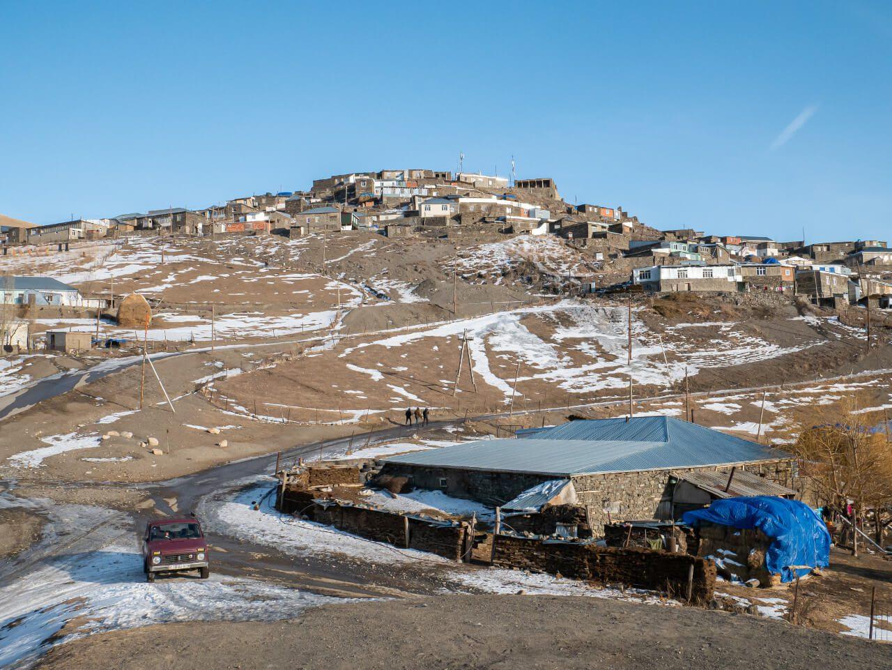 Widok na górne Xinaliq