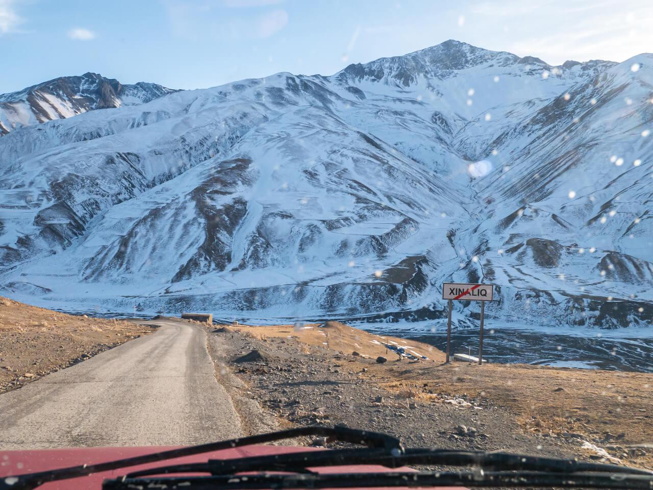 Droga wyjazdowa z Xinaliq do Quby
