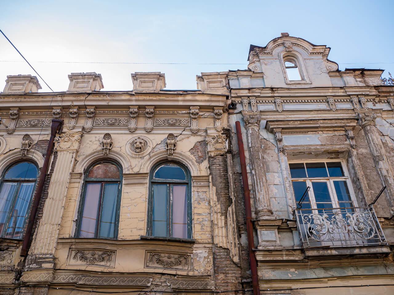 Budynek na Starym Mieście w Tbilisi