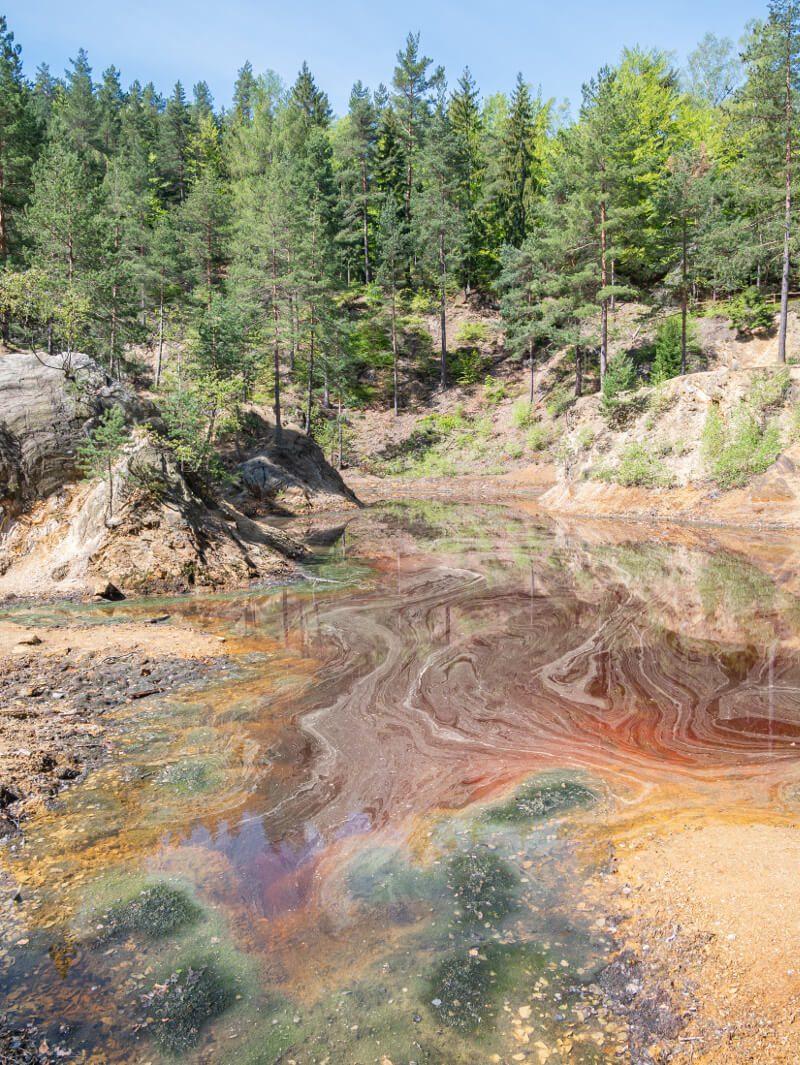 czerwone jeziorko rudawy janowickie kolorowe jeziorka