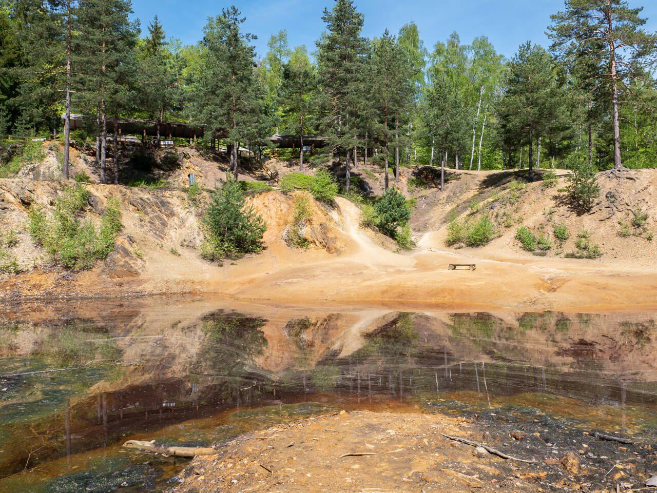 kolorowe jeziorka dolny śląsk czerwone jeziorko