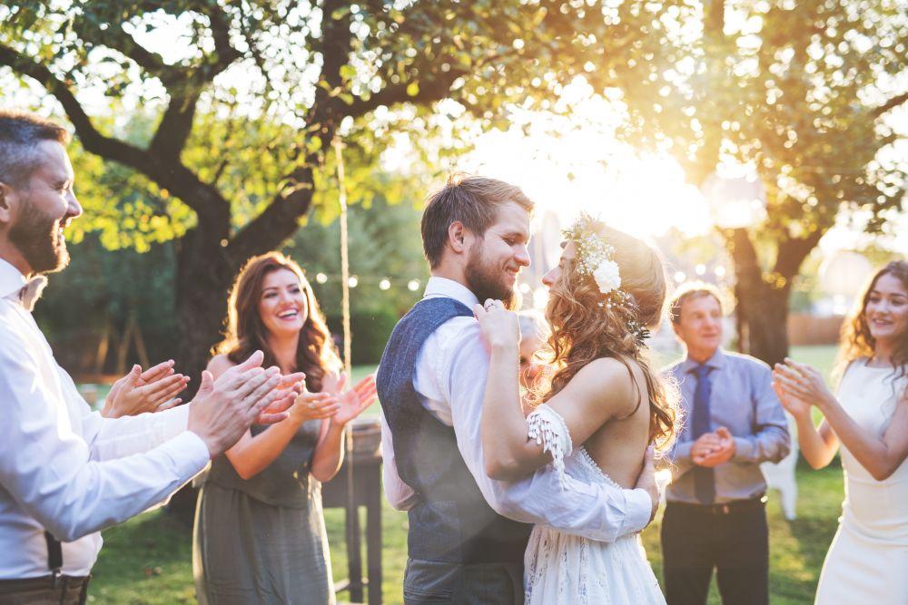 Pomagamy wybrać młodzieżową sukienkę na wesele