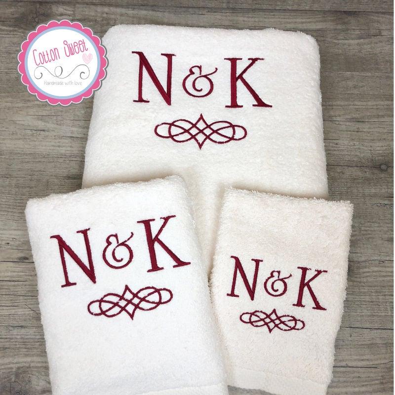 Toallas bordadas con iniciales para baño