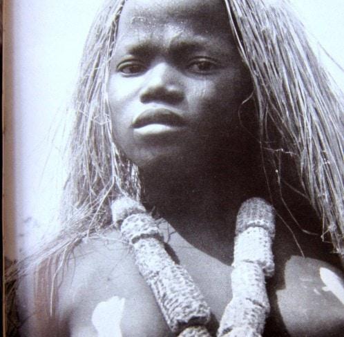 Mädchenweihe - Grasperücke - Kongo - Neue große Völkerkunde