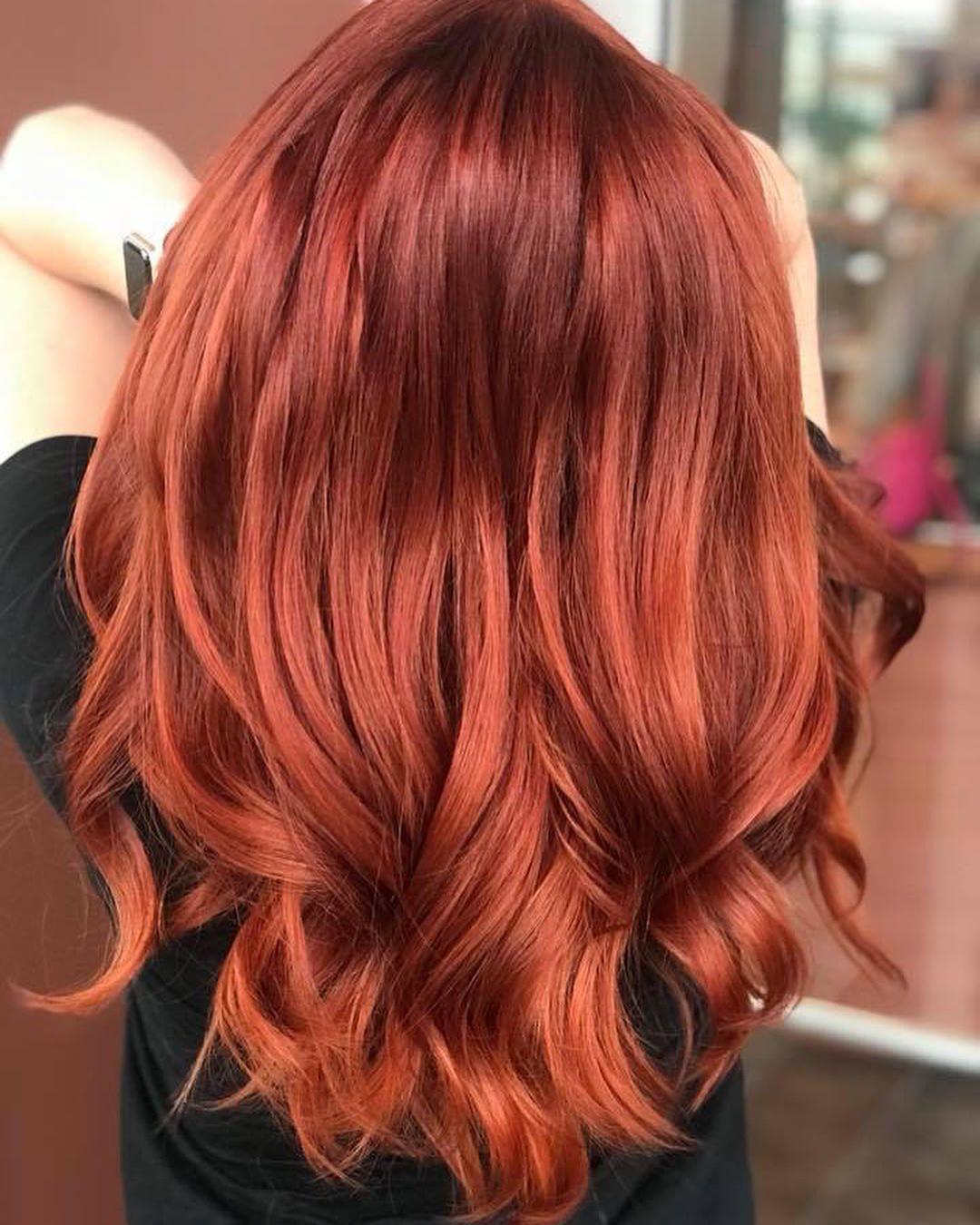 tóc nhuộm đỏ cam