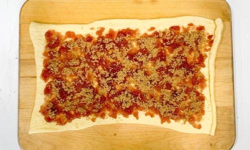 raspberry sweet rolls process photo