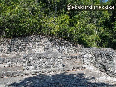 Пирамиды древних руин в Мексике