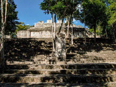 Древний город Калакмуль в Мексике