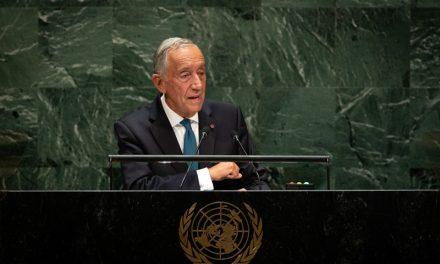 """<span class=""""entry-title-primary"""">Marcelo Rebelo apoya el multilateralismo de António Guterres</span> <span class=""""entry-subtitle"""">Mencionó el trabajo de Portugal en el área de migración y refugiados</span>"""