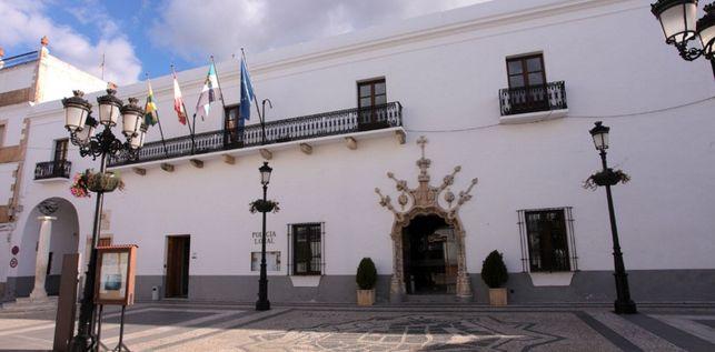 """<span class=""""entry-title-primary"""">Alcalde de Olivenza: «Somos la capital ibérica de la Península»</span> <span class=""""entry-subtitle"""">González Andrade afirma que """"Portugal forma parte de Olivenza""""</span>"""