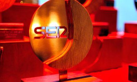 """<span class=""""entry-title-primary"""">La eurociudad del Guadiana ha sido galardonada con la «uva transfronteriza»</span> <span class=""""entry-subtitle"""">La presidenta de la eurociudad y alcaldesa de Ayamonte, Natalia Santos, ha mostrado su agradecimiento por el premio de la Cadena Ser de Huelva</span>"""