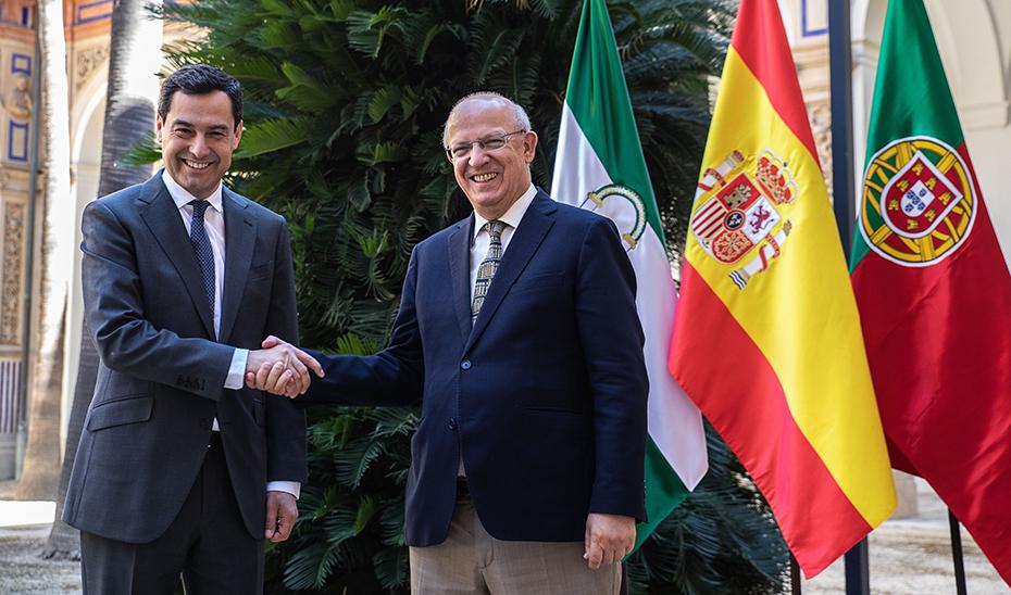 """<span class=""""entry-title-primary"""">El presidente de la Junta de Andalucía se reunirá con tres ministros en su viaje oficial a Portugal</span> <span class=""""entry-subtitle"""">El jueves 16 de enero Juanma Moreno viajará a Faro para participar en un encuentro de la eurorregión</span>"""