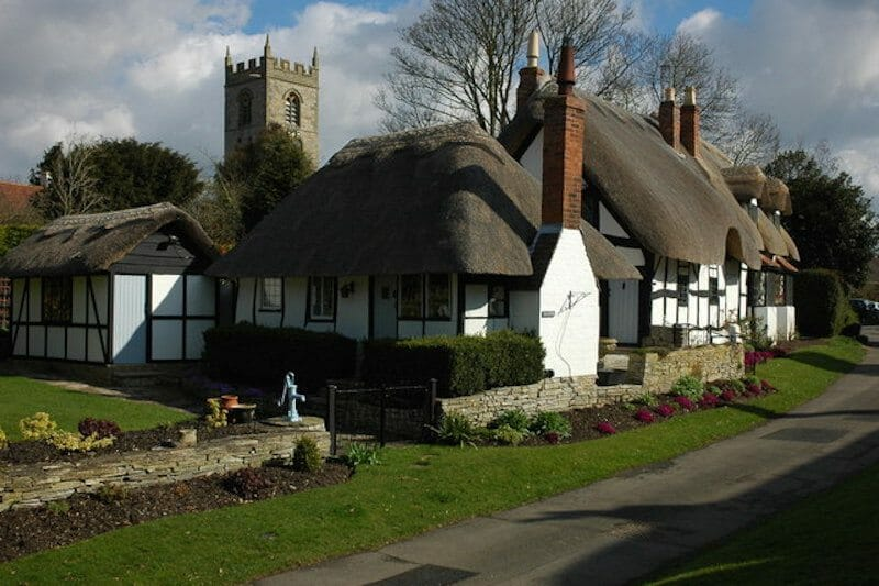 thatched-cottages-ten-peny-cottage