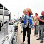 El primer barco de turismo marinero ofrece conocer especies y pesquerías en el Mar Menor