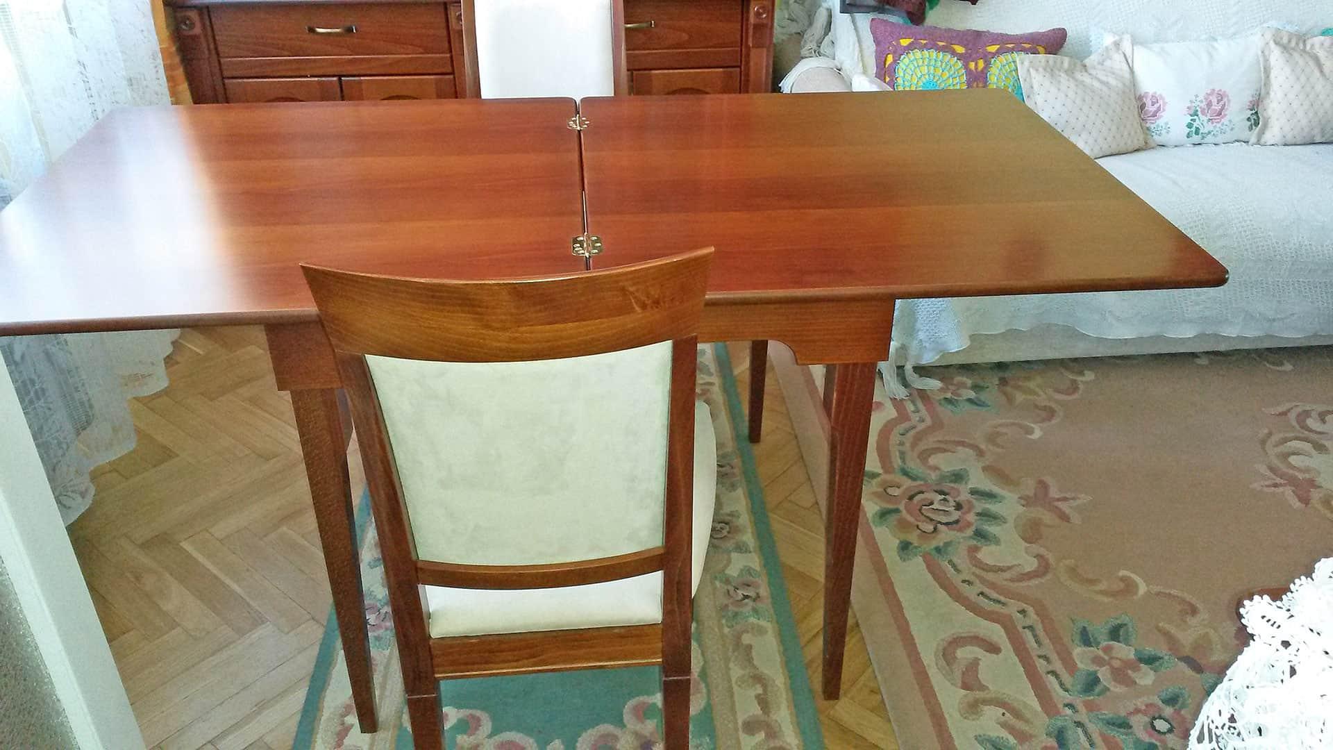 négyzet alakú kinyitható asztal nyitva
