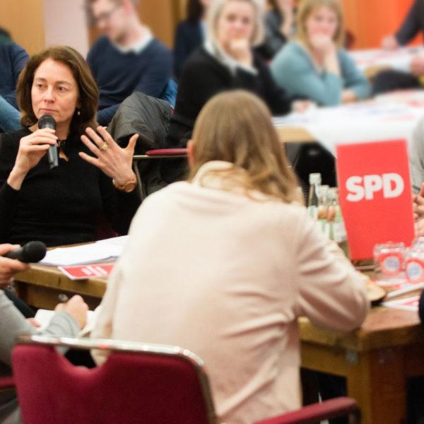 Gespräch über Barrierefreiheit am Küchentisch mit Martin Dulig und Bundesministerin Katharina Barley