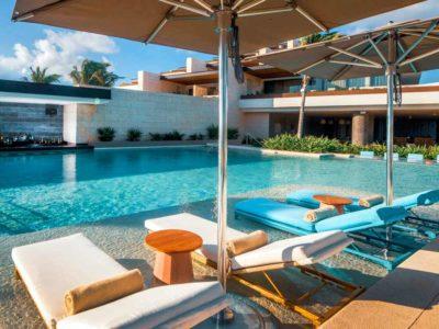 Estudio Playa Muejres pool beds